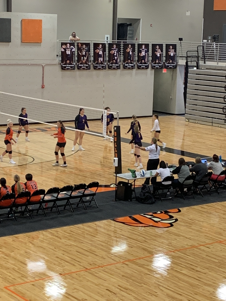 Bronc Volleyball Stays Busy